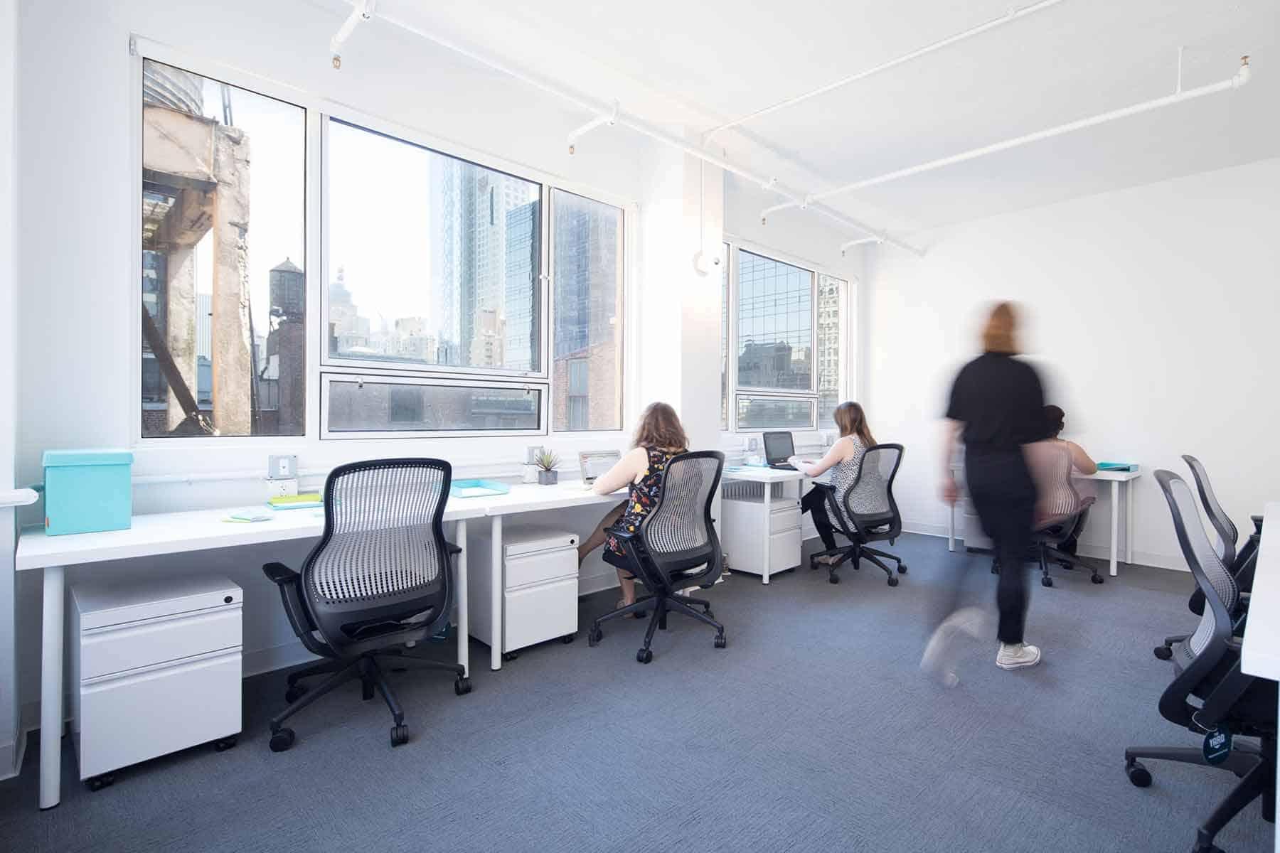 7-Desk Private Office