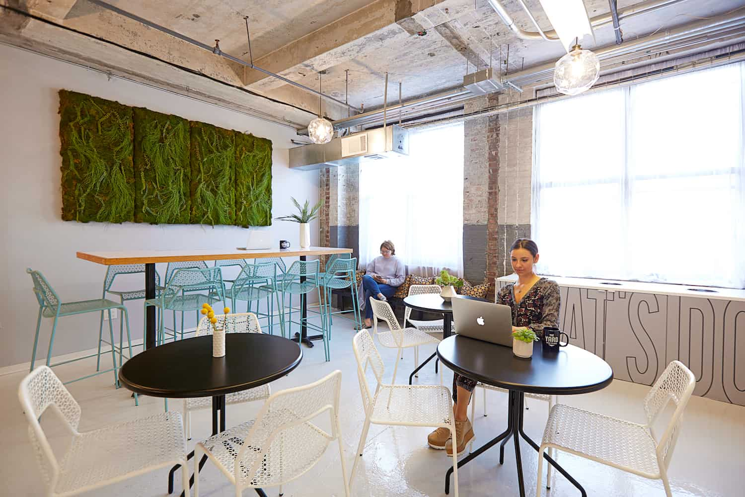 Office decor tips by sdac the yard space to work for The yard space to work