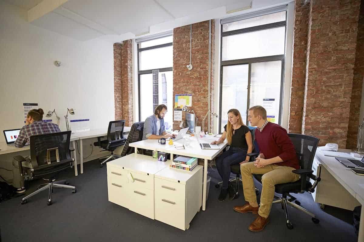 10-Desk Private Office