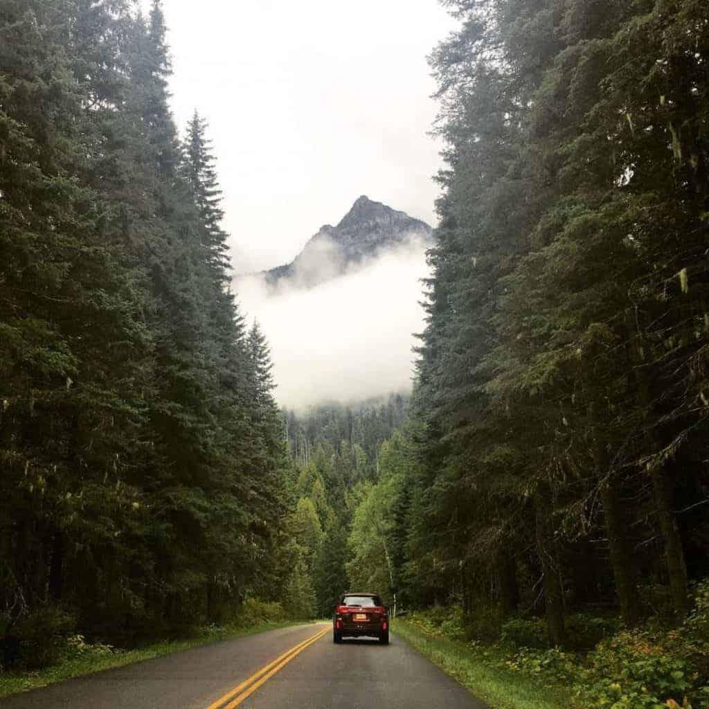 A car driving through the mountains